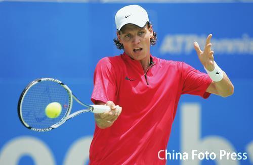 图文-ATP悉尼赛首轮战况捷克新秀伯蒂奇表现不俗