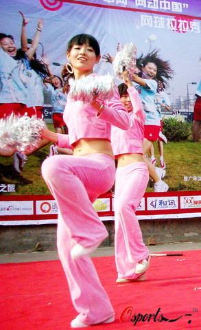 少女-中网拉拉秀来到北京交大图文女生顾盼生青春厕所在插图片