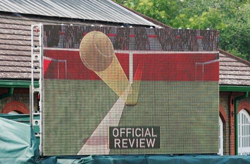 图文-[网球]英女王杯草地赛首日大胆采用鹰眼技术