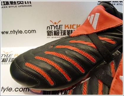 卡卡小贝Predator战靴揭密美妙弧线源于顶级科技