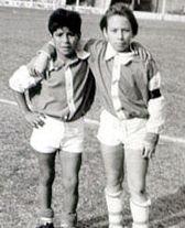 马拉多纳的小洋葱头时代:打败14岁对手的11岁少年