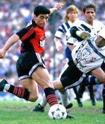 马拉多纳的职业生涯后期回顾:让我重新踢球!