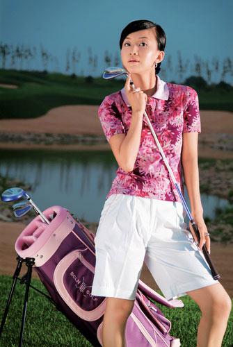 高尔夫就像爱情美女宋美遐享受最佳的减压方式