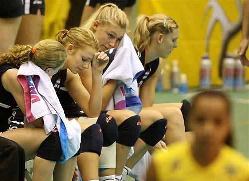 女排世锦赛十佳图:球场千手观音拦网生猛手夹球