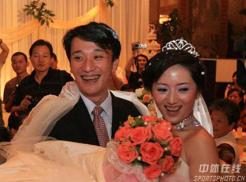 06名副其实结婚年:刘国梁等大腕均抱美人归(图)