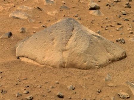 """火星帅哥_""""勇气""""号火星车拍摄的火星表面图片(组图)_科学探索_科技时代 ..."""