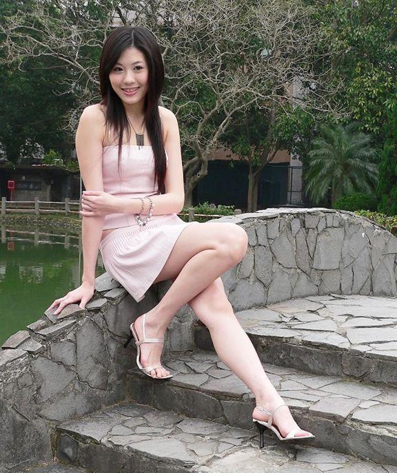 我操女研就生_台湾名模姚采颖     常见标题:非千万富翁不嫁的女研究生,某大学校花