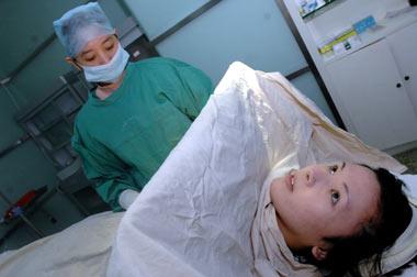 男生喜欢做隆胸手术的女生吗