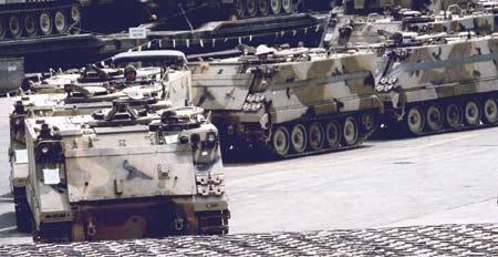 美国fmc_资料:M-113装甲车(图)_新浪军事_新浪网