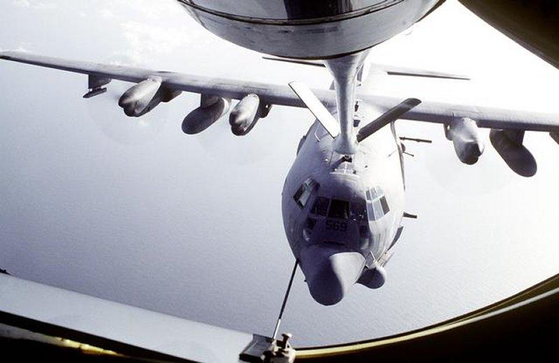 加特林多管机关炮_资料:AC-130攻击机(图)_新浪军事_新浪网