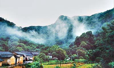 王子山森林公园门票_花都王子山:    暴雨冲出两个新峡谷   历经\