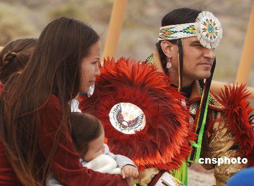 印第安人恨美国人_图:美国印第安人参与新兴旅游产业_新闻中心_新浪网