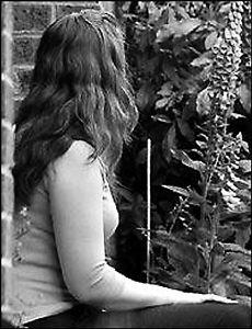 姦淫の女教师����_英国16岁学生兽性大发强暴女教师被判终身监禁