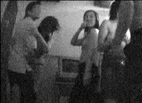 武汉成人情色_武汉色情歌厅三陪女赤裸上身跳舞(组图)