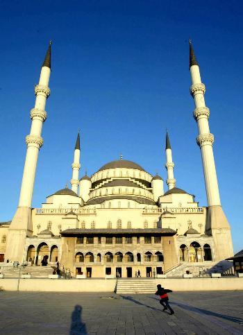 最大的清真寺_图文:土耳其最大的清真寺(1)