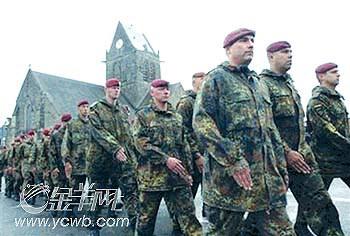 """德国兄弟连_D-Day61周年庆典:《兄弟连》老兵助兴""""诺曼底大空降""""(图 ..."""