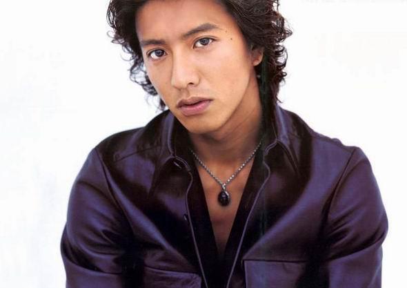 最受欢迎欧美男明星_近期很火的日本男明星