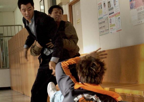 卑劣的街头片尹��_资料图片:赵仁成新片《卑劣的街头》精彩剧照(7)