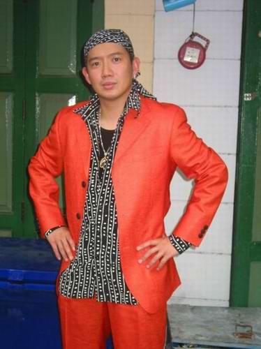 红艺人cici图片_图文《无间道2》泰国拍戏图片