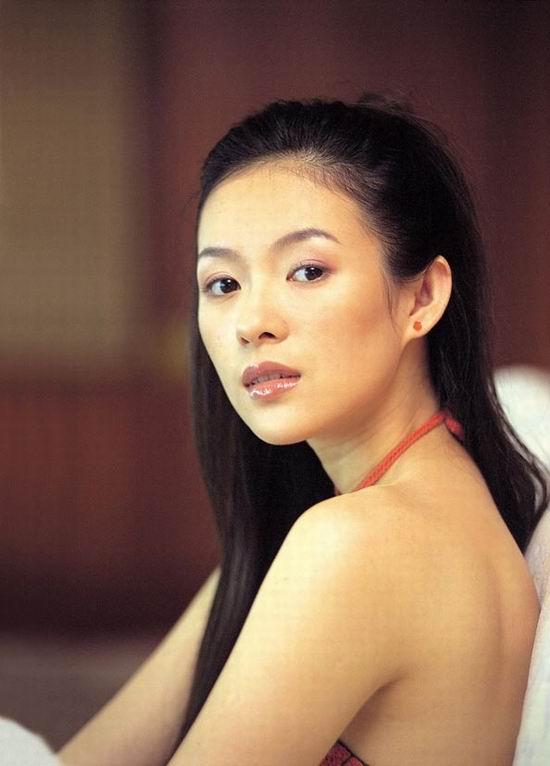 撕衣操屄_资料图片:《天天影视圈》最红女星--章子怡