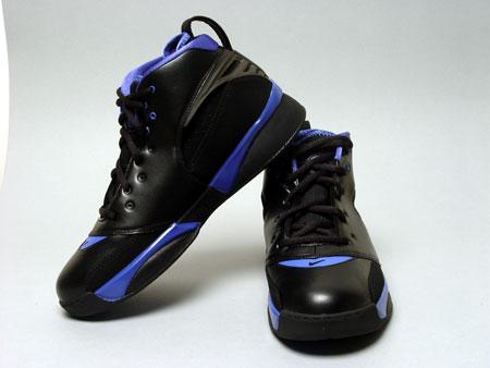 NIKE四月男子篮球鞋AIR ZOOM HUARACHE 64 (5)_NIKE新浪体育社区_