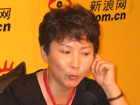 北京時間7月23日17:00-18:00,中央電視臺著名體育主持人寧辛作客新浪圖片